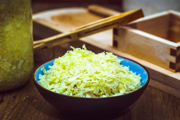 Raw homemade sauerkraut recipe